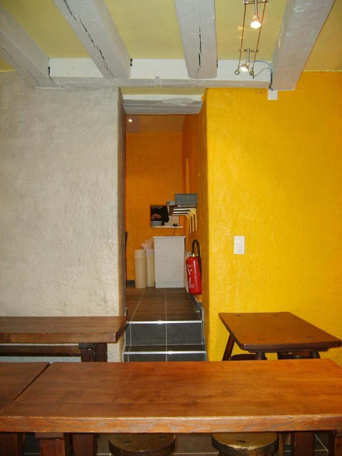 Traitement devanture et décoration intérieure : Traitement décoratif salle 1 vers salle 2